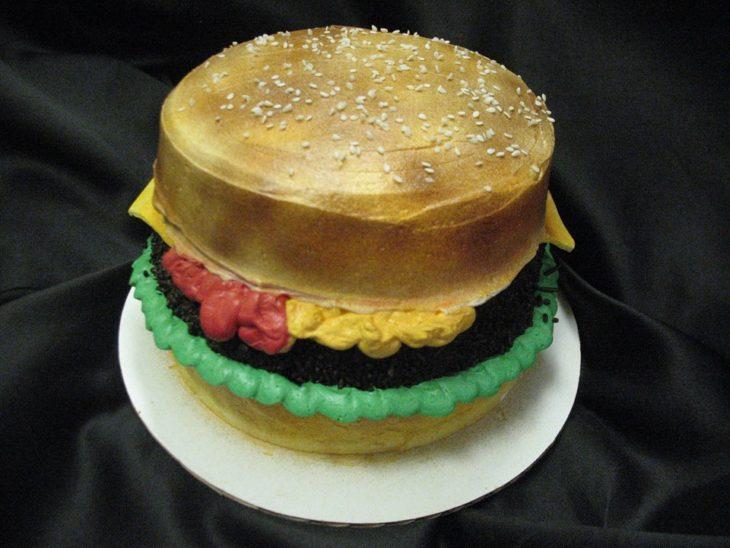 Hamburger Cake 1