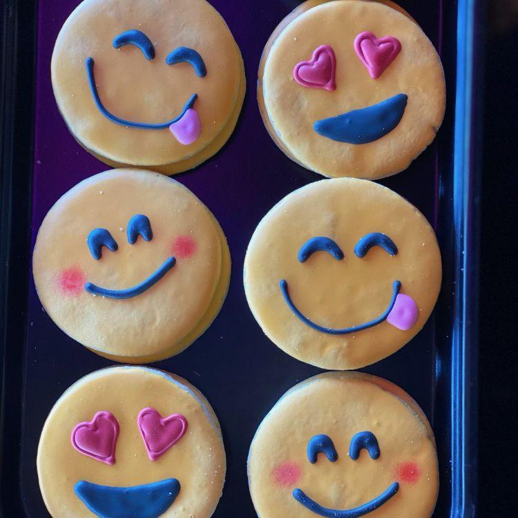 Emoji Cutout Cookie